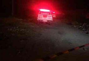 Ataque a tiros termina com idoso morto e filho dele ferido, no Litoral Norte da PB