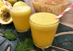 Aprenda duas receitas de sucos perfeitos para o verão