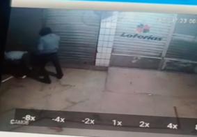 Câmeras de segurança registraram o momento que um dos suspeitos.