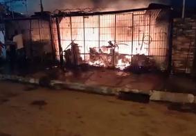 Filho faz vaquinha online para ajudar pai que teve oficina destruída por incêndio