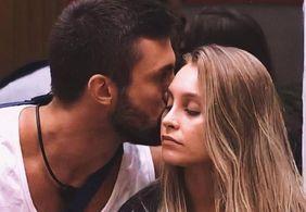 'Ela é do jeito que ele gosta', diz mãe de Arthur sobre romance com Carla Diaz