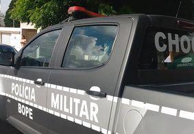 Equipes de forças de segurança amanheceram nas ruas