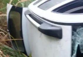 Motorista morre após ser baleado e capotar carro na Paraíba