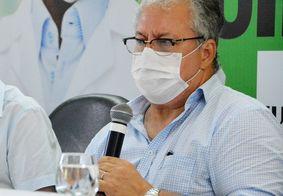Fábio Rocha é contra suspensão de vacinação para adolescentes.