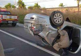 Homem fica preso às ferragens após capotamento em rodovia de João Pessoa