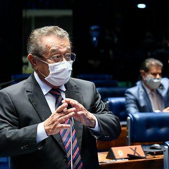 Internado há 45 dias, José Maranhão enfrenta complicações da Covid-19