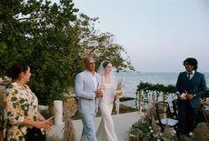 Vídeo | Filha de Paul Walker se casa e é conduzida ao altar por Vin Diesel