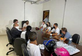 Familiares de Kelton Marques são recebidos por delegados da Polícia Civil