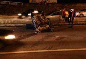 Carro capota na BR-230 e testemunhas acusam condutor de dirigir embriagado