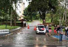 Motoristas de transportes escolares realizam protesto em João Pessoa