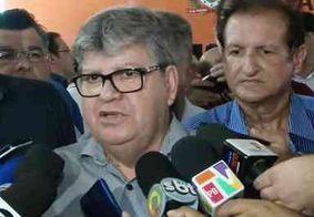 """""""Não recebi recurso de quem quer que seja"""", diz João Azevêdo ao rebater acusações de Livânia"""