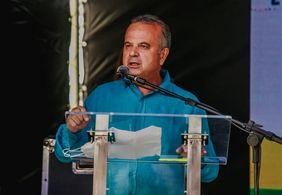 Ministro participa de entrega de quase 200 apartamentos em João Pessoa