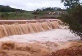 Chuvas fortes causam rompimento de barragem de açude no Sertão da PB