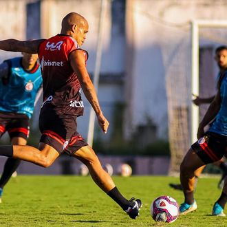 Campinense leva a melhor no primeiro jogo da final do Paraibano