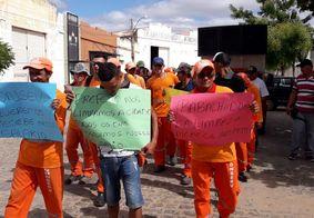 Após realizar paralisação, garis definem assembleia no Sertão da Paraíba