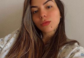 """Filha de Maurício Mattar posta foto nua e rebate críticas: """"me aceitei fora do padrão"""""""