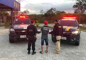 Homem é preso após fiscalização em ônibus com torcedores do Botafogo-PB
