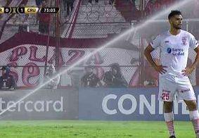 Sistema de irrigação dispara por engano e interrompe partida do Cruzeiro pela Libertadores