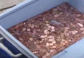 Homem paga pensão alimentícia com 80 mil moedas de 1 centavo