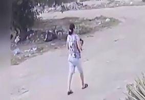 Polícia identifica mulher que lançou gato para ser atacado por pitbull, na PB
