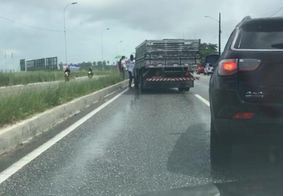 Engavetamento na BR 230 deixa transito lento na Capital