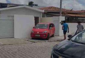 Motorista perde o controle e invade casa no bairro do Cristo, na capital