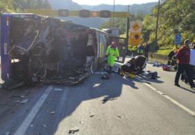 Vídeo   Ônibus de time Futsal tomba, deixa 2 mortos e 20 feridos