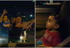Manifestantes param e cantam Baby Shark para acalmar criança no Líbano; veja