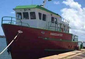 Nove pessoas são resgatadas após barco naufragar a 148km do litoral paraibano