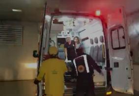 Vídeo: confusão termina com homem esfaqueado e outro agredido após discussão em João Pessoa