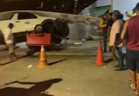 VÍDEO | Carro desgovernado atinge ponto de mototáxi em cidade da PB