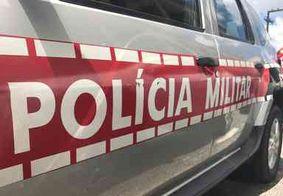 Polícia Militar prende dupla suspeita de tentar matar comerciante a tiros no Alto do Mateus