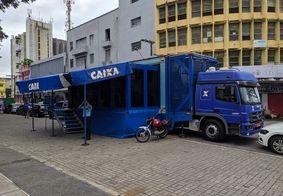 Caminhão percorre regiões do país para atender clientes.