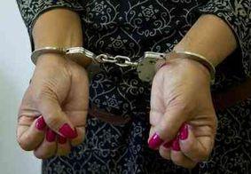 Mulher é extraditada de Israel para a Austrália por abusar de 74 meninas