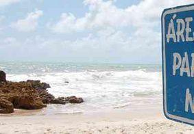 Homem é detido acusado de fotografar mulheres em praia naturista, na PB
