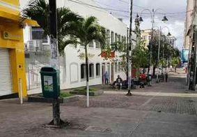 Agentes da Sedurb retiram ambulantes de ruas do Centro de João Pessoa