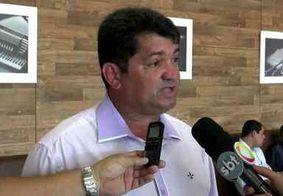 Filho de Leto Viana procurou suplentes para tentar formar chapa, diz vereador