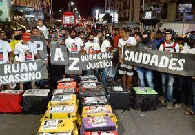 Motoboys fazem protesto pela morte de Kelton Marques