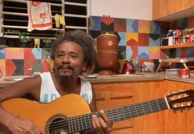 Chico César responde pedido de fã sobre músicas de cunho político-ideológico