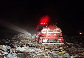 Bombeiros trabalham há quase 24h para controlar incêndio em Patos