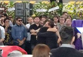 Fotos: Wesley Safadão e Xand Avião se despedem do amigo Gabriel Diniz
