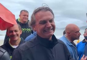 Jair Bolsonaro passa feriado no litoral paulista.