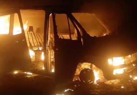 Vídeo: van com paraibanos pega fogo em MG