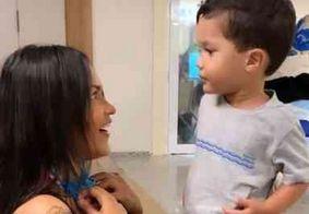 Flayslane volta à Paraíba e mostra reencontro com o filho