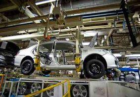 Indústria cresce 0,3% em abril, mas ainda acumula queda de 2,7% no ano