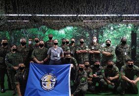 Fotos de militares com máscaras desenhadas no 'Paint' em site oficial viralizam na web; veja