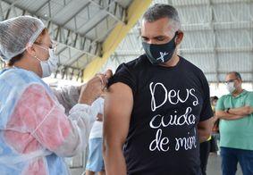 Campina Grande divulgou que pessoas acima de 31 anos devem ser vacinadas nesta segunda (2)