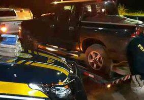 PRF prende casal com drogas escondidas na lateria do carro, no Sertão da Paraíba