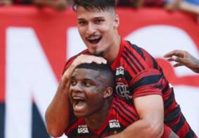 Vídeo: zagueiro do Flamengo chama colega de time de macaco em vídeo