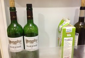 Vinhos armazenados na geladeira